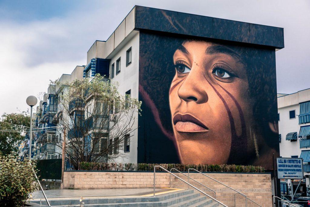 I messaggi nascosti nei murales di Jorit (Angela Davis)