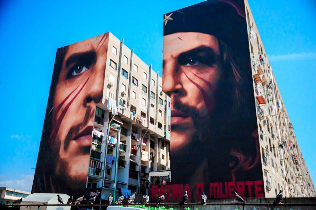 I messaggi nascosti nei murales di Jorit (Che Guevara)